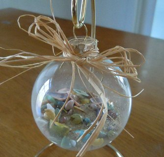 how to make a sea shell christmas ornament with raffia - Beach Christmas Ornaments