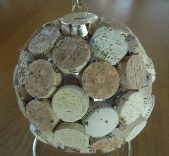 how to make a cork Christmas ornament