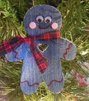 Christmas crafts - recycled denim craft