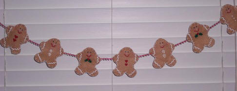 Craft a gingerbread garland from felt and beads