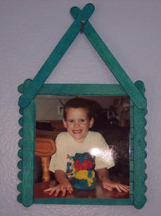 Craft A Picture Frame From Popsicle Sticks Craft Elf