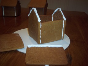 Fun Christmas baking project - easy step by step gingerbread house baking tips