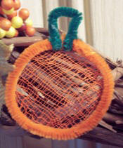 Pumpkin pipe cleaner craft instructions free from Craft Elf