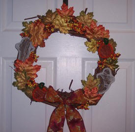 Halloween craft ideas; grapevine wreath