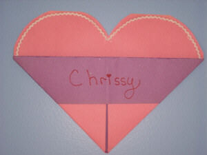 how to make a heart valentine holder from constructions paper