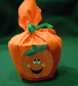 How to make pumpkin goody bags