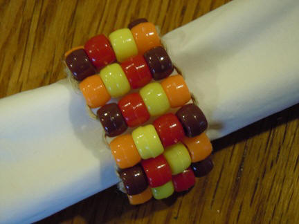 How to make a napkin ring from pony beads
