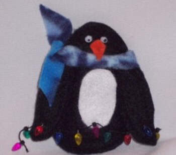 Penguin Christmas ornament craft - free sewing pattern