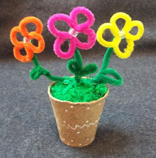 Craft: Kids craft instructions to make Pipe cleaner Flowers; Craft Elf