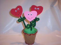 Pot-o-hearts makes a great Valentines Day decoration_great kid craft