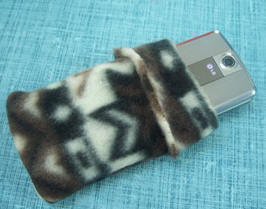 stitch a camera or phone case from fleece