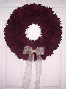 how to make a wreath from fabric squares