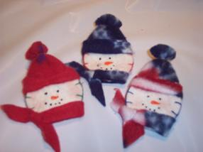 Craft A Snowman Pin For Christmas From Felt