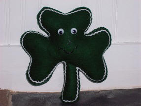 Stuffed Shamrock pattern and instructions for sewing