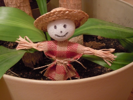 Scarecrow plant stake Halloween craft for kids