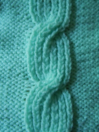 closed bud cable knitting pattern