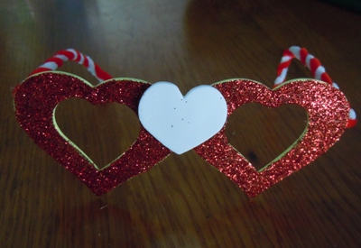 heart shaped glasses valentines craft