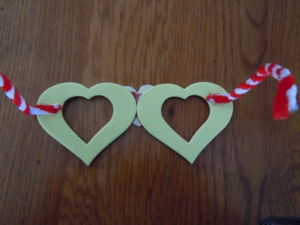 how to make heart shaped glasses